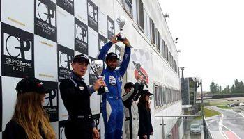 Mauro Pizzola, Pilota Sponsorizzato Da Idee E Soluzioni,vince Gara 1 Piloti B